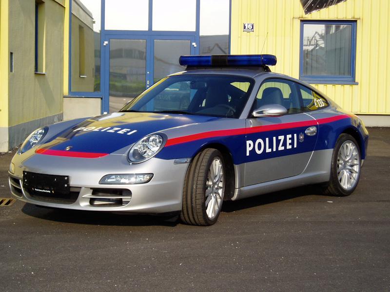 polizeifahrzeuge-web-2-von-15